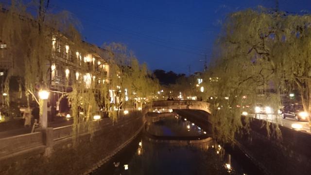 夕暮れの城崎温泉